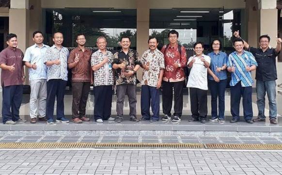 Studi Banding Prodi Teknik Elektro UNS ke Politeknik Mekatronika Sanata Dharma